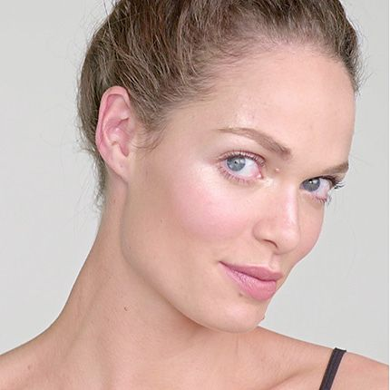 Model demonstrates strobing - how to highlight your skin