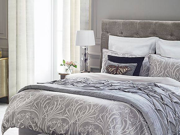 Elizabeth bedding with Velvet Pinch bedcover