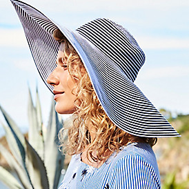 The super-sized sun hat