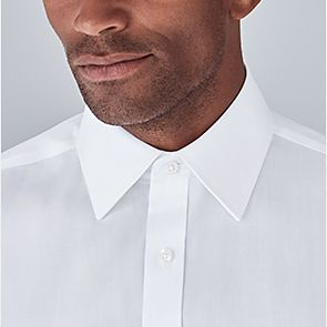 Man wearing classic pointed collar shirt