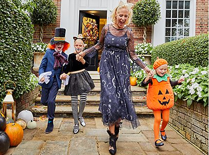 Stylist Deborah Brett shows us how to have a hip Halloween