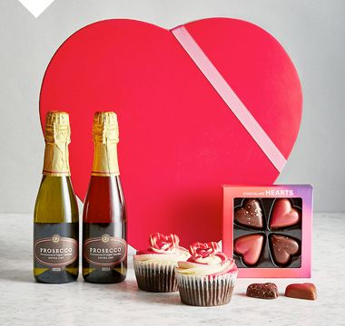 Valentine's gift box with prosecco