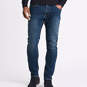 Man wearing Big & Tall jeans