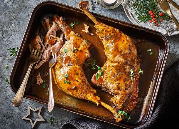 Slow Cooked turkey legs