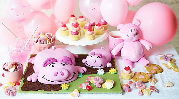 Pink Percy pig and piglet sponge cake