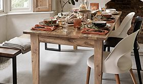 A set dining table