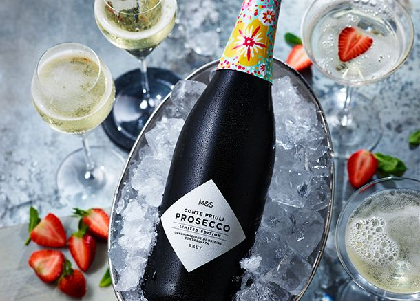 Limited-edition summer Conte Priuli prosecco on ice with glasses