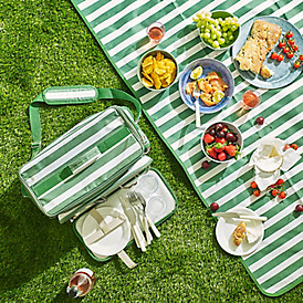 The handiest picnic rug ever