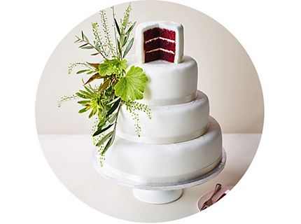 Contemporary red velvet wedding cake