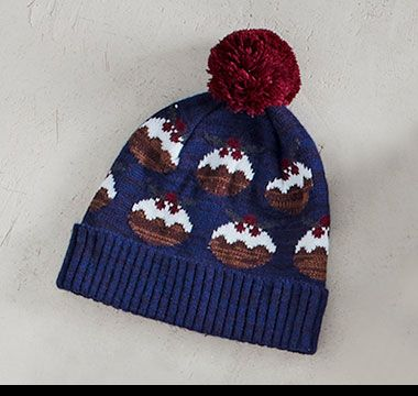 Christmas pudding mens bobble hat