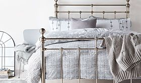 Castello bed with bedding