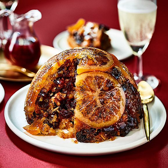 Prosecco, cranberry and orange Christmas pudding
