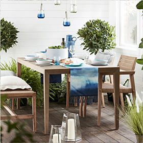 Outdoor furniture with picnicware