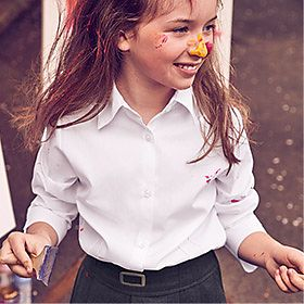 Girl wearing M&S non-iron shirt