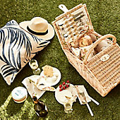 Picnic hamper and picnic rug