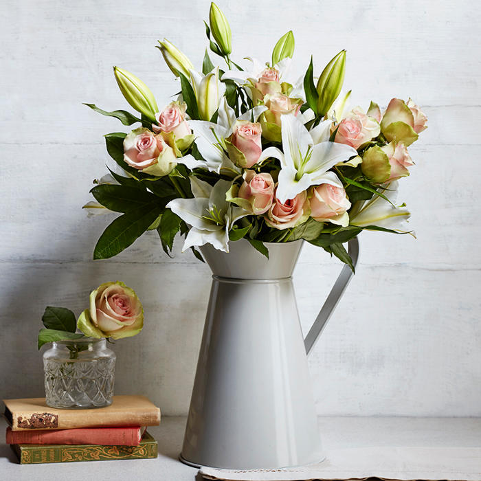 Why la belle roses are summer\'s prettiest flowers