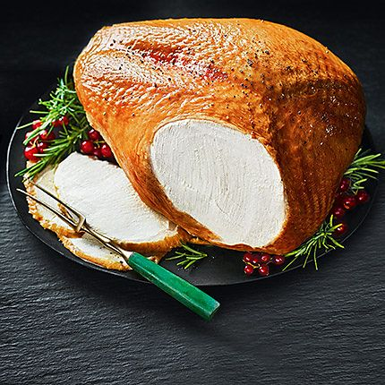 Roast turkey with garnish